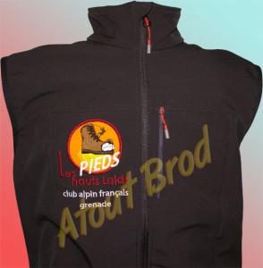 Veste softshell brodée pour le club alpin français de Grenade par Atout Brod, Toulouse , Mondonville