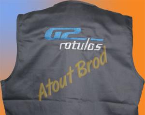 Gilet de travail broderie logo de l'entreprise Rotulos G2 par Atout Brod, Toulouse , Mondonville