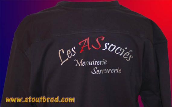 Logo SARL LES ASSOCIES floqué sur des t-shirts par ATOUT BROD, Toulouse, Mondonville